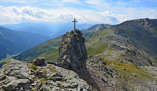 St Jodok Klettersteig : Stafflacher wand 1430 m über peter kofler klettersteig
