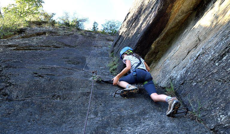 Klettersteig Equipment : Tisser klettersteig 740 m etschtal südtirol