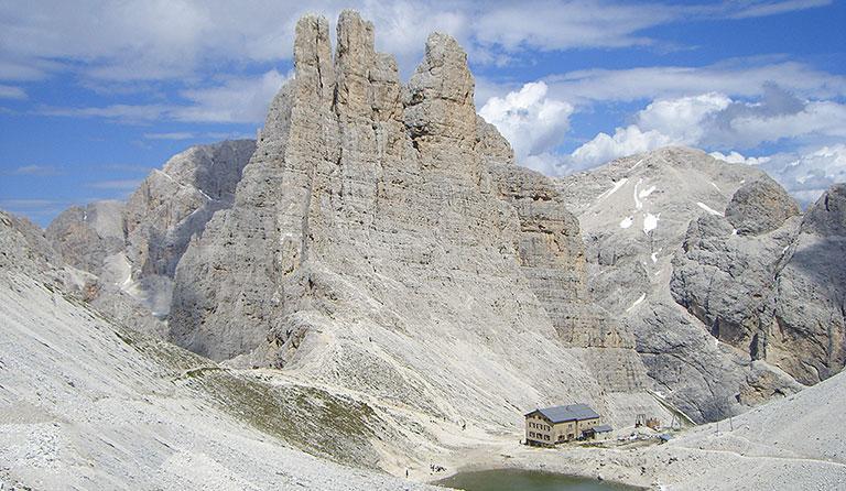Klettersteig Rosengarten : Gartlhütte rifugio re alberto 2621 m dolomiten italien
