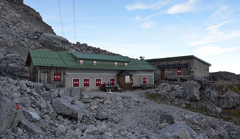 Wiener Neustädter Hütte 2213 M Auf Der Zugspitze